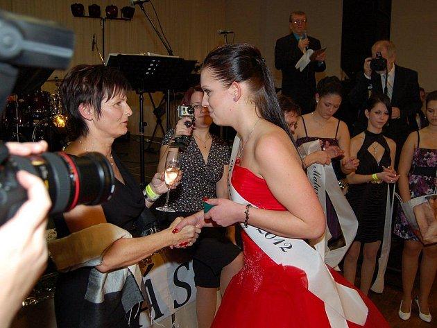 Maturitní ples Střední průmylsové školy Svštce se konal v pátek v Tachově
