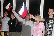Začínající hokejový šampionát opět zahýbe sportovním Tachovskem. Fanoušci českého týmu se sejdou nejen v hospůdkách a barech, někteří se chtějí do Ruska dokonce vydat.