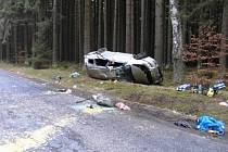 Dopravní nehoda, která se stala u Broumova, si vyžádala tři vážná zranění