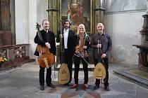 Gabrielu Demeterovou doprovodilo při koncertu v Kladrubech její Collegium ve složení Petr Wagner, Jan Krejča a Jan Čižmář.
