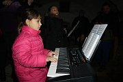 Pásmo písniček, scének a recitací předvedly děti, které navštěvují Pony farmu v Kladrubech.
