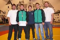 ÚSPĚCH. Minivýprava Zápasu Stříbro bojovala v Košicích. Zleva trenér Tomáš Adam, Lukáš Adam, Jan Matějka, Daniel Janda a trenér Michael Janda.