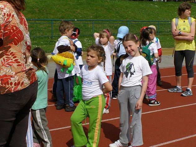 Kladrubská a stříbrská školka mezi sebou bojovaly o postup do krajského kola Sportovních her pro předškoláky.