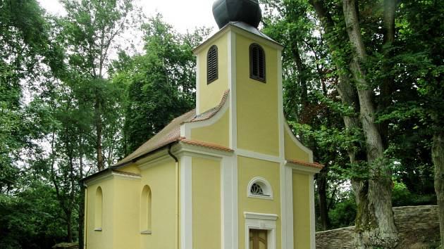 Opravený kostel v Kořenu.