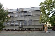 Město se pustilo do opravy objektu obchodního domu.