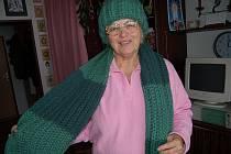 Hana Ulrichová je ze své pouti do Santiaga de Compostela zpátky už skoro tři měsíce. V těchto dnech se převážně věnuje pletení. Upletla si tuto šálu i čepici.