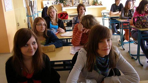 Němečtí studenti se spolu se stříbrskými žáky zapojili do výuky na na gymnáziu.
