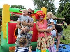 DIVADÉLKA, KOUPÁNÍ V PĚNĚ, SKÁKACÍ HRAD a spousta soutěží bylo připraveno pro děti po celém Tachovsku k svátku Dne dětí.
