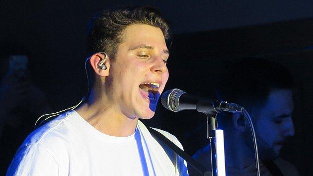 Ve Stříbře vystoupil oblíbený zpěvák Sebastian.