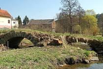 HISTORICKÝ MOST v Lobzích se možná v dohledné době dočká rekonstrukce.
