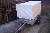 Tento přívěsný vozík ukradl zatím neznámý pachatel.