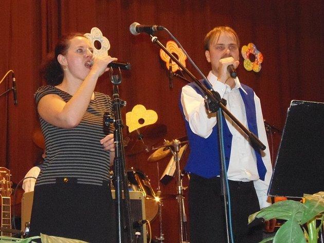 Tradiční Únešovský ples se konal ve stříbrském kulturním domě.
