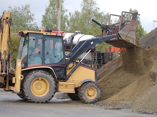 Ve středisku Správy a údržby silnic v Tachově mají připraveno více než tisíc tun inertního posypu.
