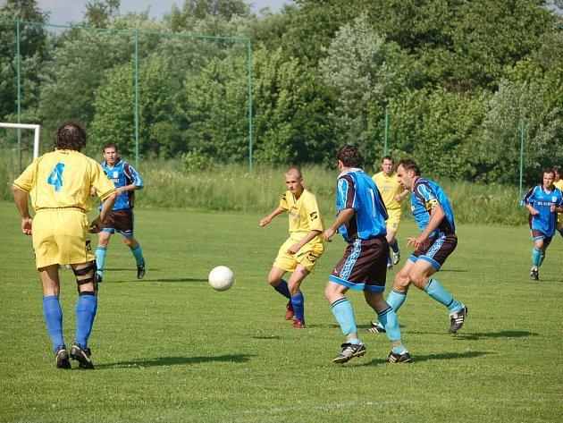 Fotbalisté Přimdy prohráli s TJ Chotěšov 1:3 .