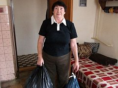 Annu Faškovou projekt s textilem zklamal. Pro připravené pytle nikdo nepřijel