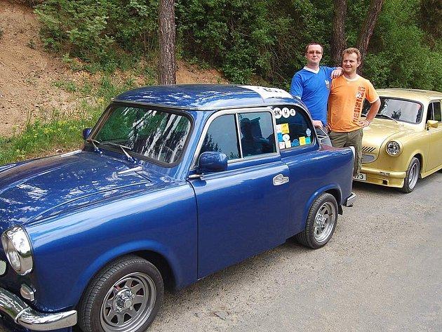 Sraz Automotoklubu Trabant Plzeň v Butově na Hracholuské přehradě.