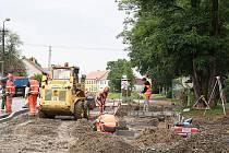 Z centra až do kláštera povede po dokončení nový chodník v Kladrubech
