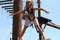Zkusit si adrenalinový sport mohou i malé děti.