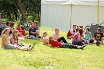 Starosedlišťská farní zahrada hostila v neděli průkopnického festiválek k příležitosti poutě ke sv. Prokopu – Prokopnutí.