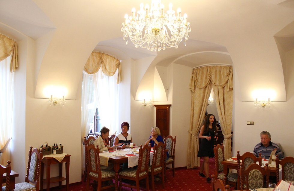 Interiéry zámku si veřejnost mohla prohlédnout například v srpnu 2016.