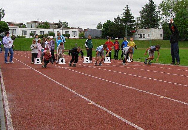 Třináct škol bylo zastoupeno na soutěži ve Stříbře