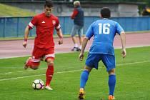 Tachov (na snímku v červeném Vyleta) vyhrál v sobotu na penalty.