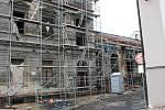 Dvorana, která už desítky let chátrá, se dočká opravy. Zastupitelé schválili  100milionový úvěr  na rekonstrukci.