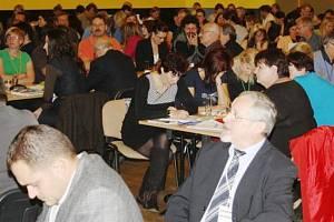 NÁRODNÍ konference  je určena  zástupcům  různých veřejných , neziskových i soukromých organizací působících na celostátní, regionální i místní úrovni.