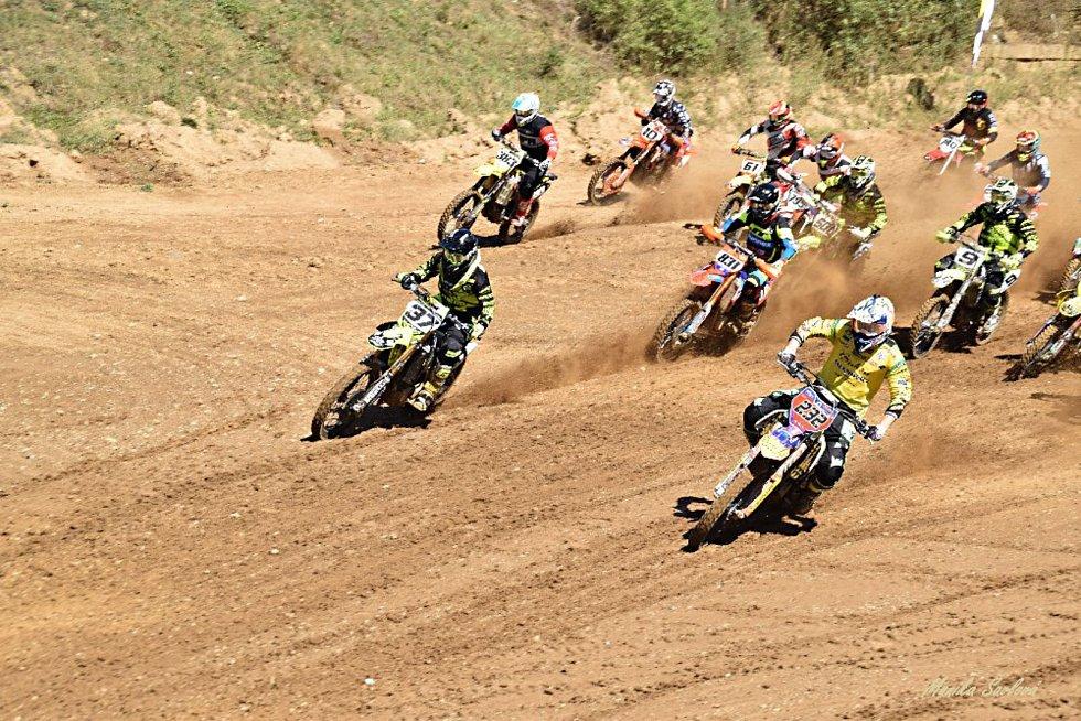 Terén svatého Petra ve Stříbře se stal dějištěm rozhodujícího podniku BUKSA/ADOS Mezinárodního mistrovství ČR v motokrosu.
