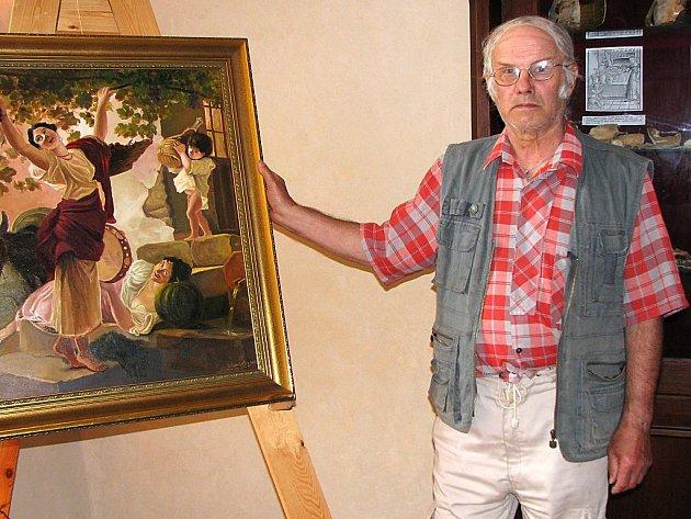 Jozef Kaminsky u jednoho ze svých obrazů v zámku v Boru.