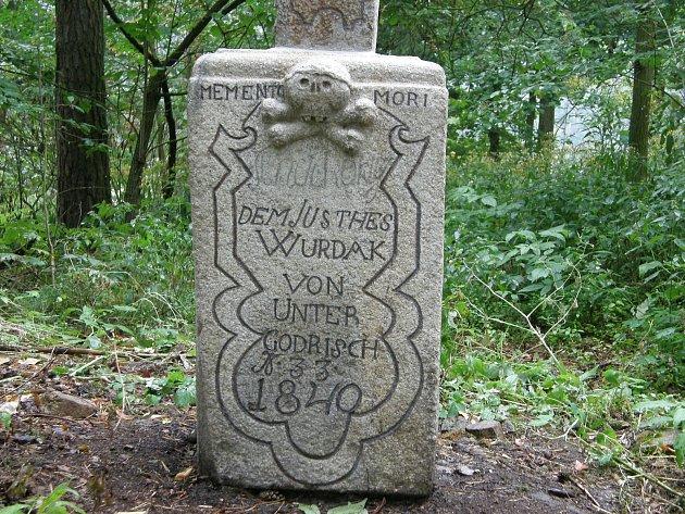 Jedna z kamenných památek od Georga Böhma.