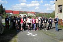PADESÁT SEDM BĚŽCŮ se v Černošíně sešlo, aby podpořilo hospic. Foto: archiv Marcela Petričková