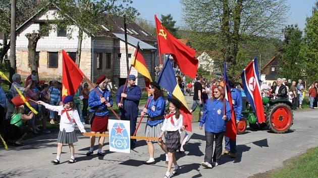 Recesistický 1. Máj se konal v úterý v Borovanech.