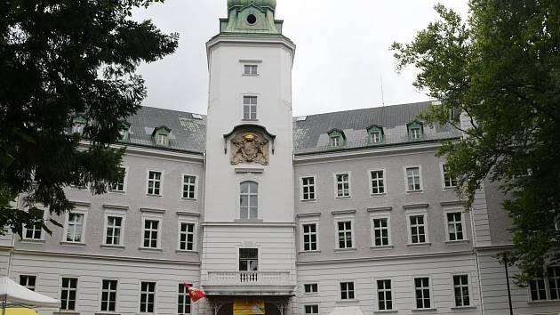 Už po páté se na nádvoří zámku v Chodové Plané konala Dokopná.