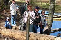 Za bobry a jejich životem ve volné přírodě zavedla zájemce první výprava za poznáním přírody Českého lesa v tomto roce.