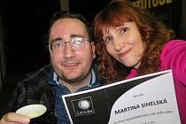 Martina Sihelská běžela i jako trasérka nevidomého Radka Baštáře při Nočním běhu pro Světlušku v Plzni.