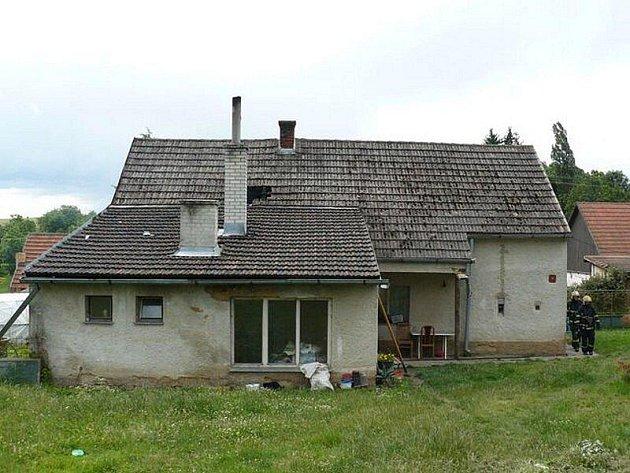 Požár rodinného domku ve Sviňomazech.