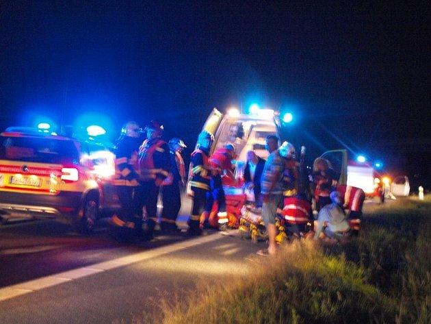 Nehoda se stala v pátek před jedenáctou večerní. Zraněného převezla sanita do plzeňské fakultní nemocnice na Lochotíně