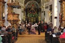Školy se sešly v kostele