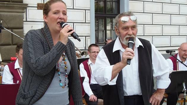 Chodovarka na snímku z koncertu ve Stříbře.