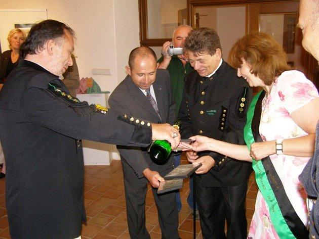 Stříbrští příslušníci cechu svaté Barbory vydali DVD