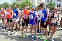 30. ročníku Běhu historickým Stříbrem se zúčastnil elitní atlet Jakub Davidík (číslo 39).