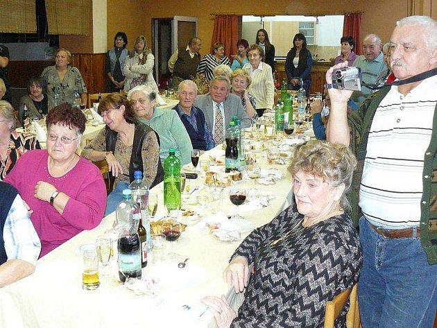 Pravidelné setkání důchodců se konalo v kulturním domě ve Studánce.