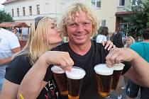 Dobrá nálada a pivo neodmyslitelně patří ke každé pouti. Ani v Kladrubech tomu nebylo jinak.