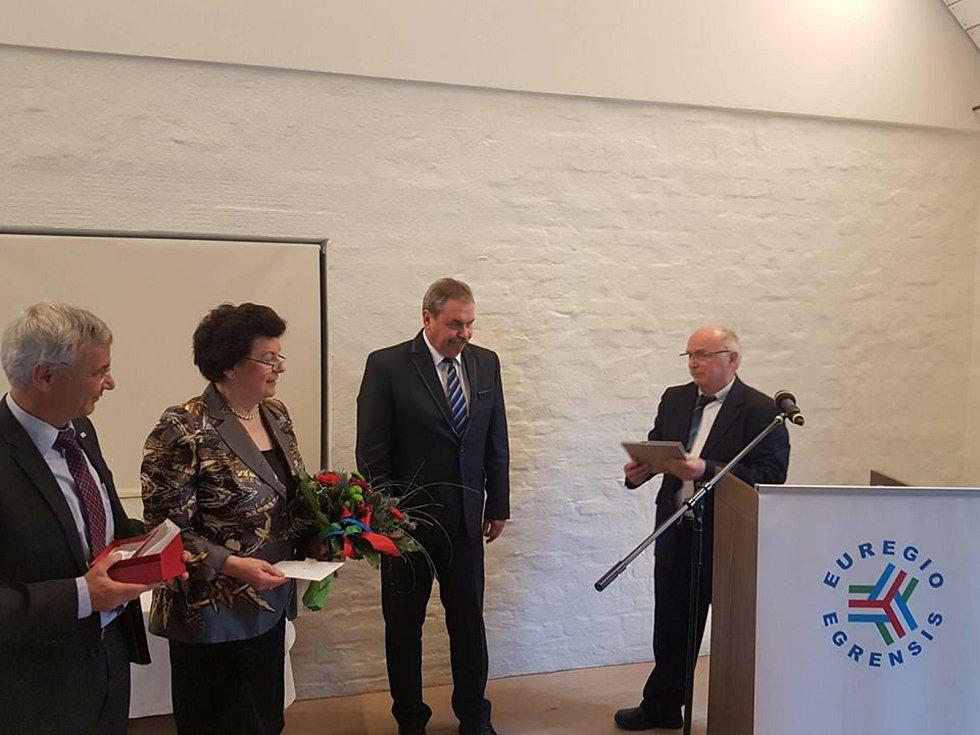 OCENĚNÍ Václava Peteříka na hradě Falkenberg.