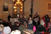 Lidový soubor MLS spolu s dětmi z  místní základní školy vystoupili v černošínském kostele.