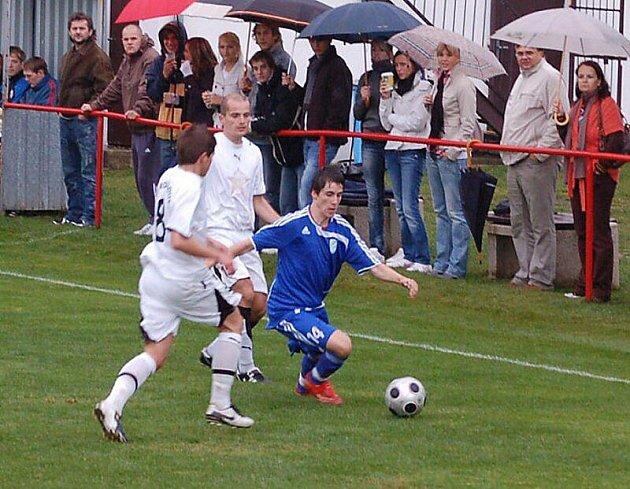 Fotbal: TJ Rozvadov - FK Tachov 0:4.