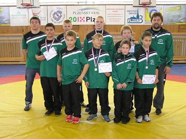 """Závodníci """"Zápasu Stříbro"""" se zúčastnili třetího kola ligy žáků a zároveň přeboru jednotlivců Plzeňského a Karlovarského kraje v řeckořímském zápase."""