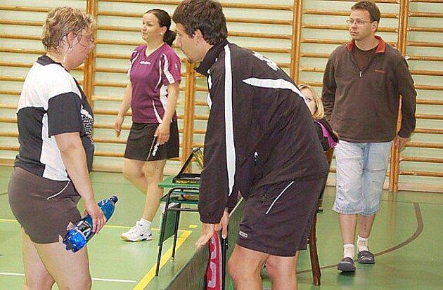 Stolní tenis–II. liga: Slovan Bohnice – S. Bor střechy Homolka