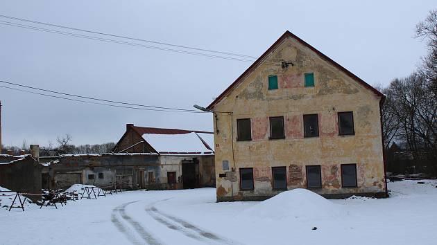 Areál, který odkoupila obec Staré Sedlo.